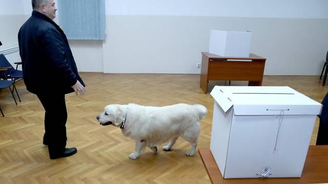 Zagreb: Gradonačelnik Milan Bandić glasovao na predsjedničkim izborima