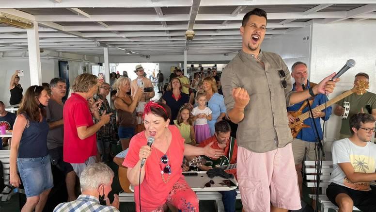 Koncert na trajektu za Korčulu: Sviramo za Olivera, njemu u čast, i svemu što nam je ostavio