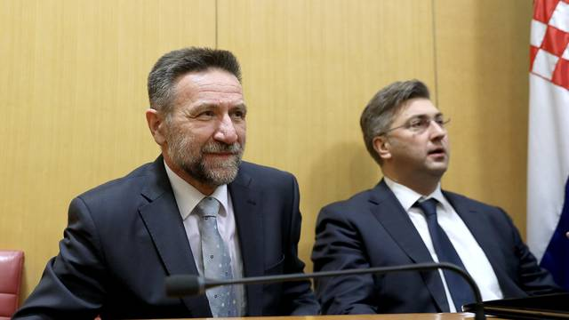 Barišić se osam sati borio za ostanak na funkciji ministra?
