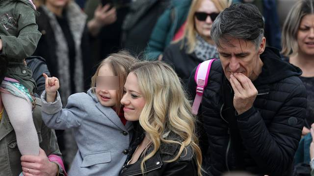 Uz Veljaču i kćer Lenu ponosno je stajao i bivši suprug Čuček