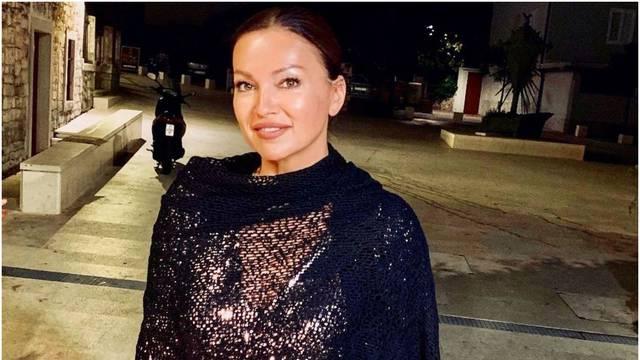 Nina Badrić sve oduševila mini haljinom: 'Gdje ćeš tako lijepa?'