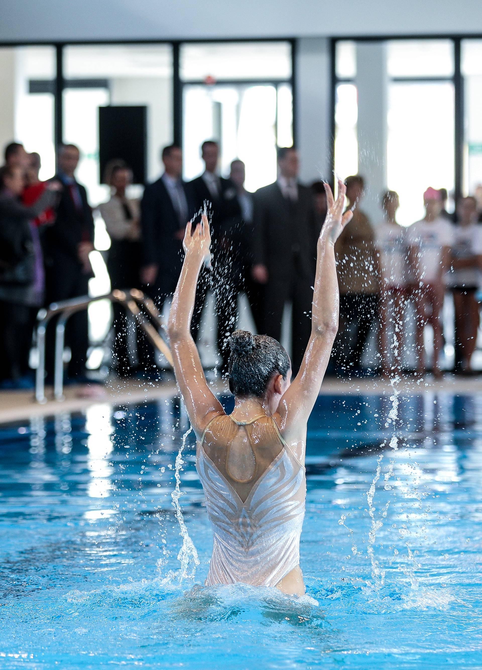 Predsjednica Kolinda Grabar Kitarović nazočila je otvorenju Gradskog bazena Velika Gorica