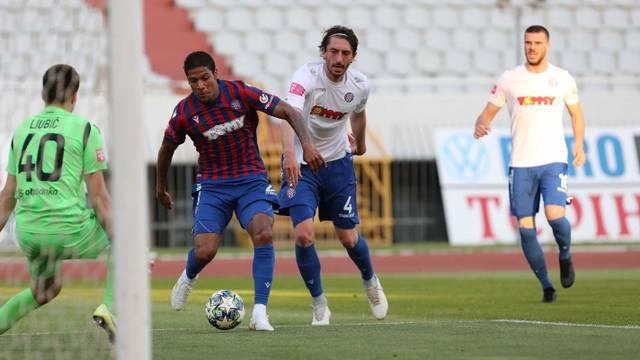 Crveno-plavi razbili bijele u pripremnoj utakmici Hajduka...