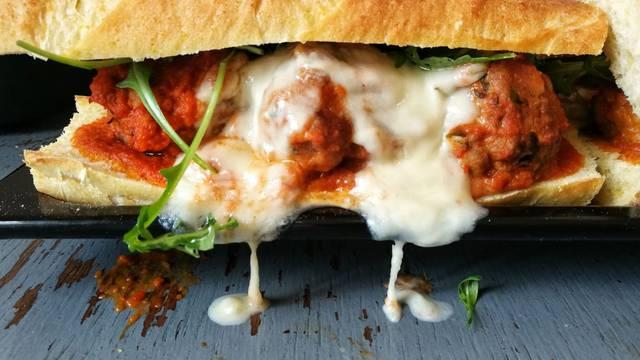 Ćuftastičan sendvič za koji me inspirirao Joey iz 'Prijatelja'
