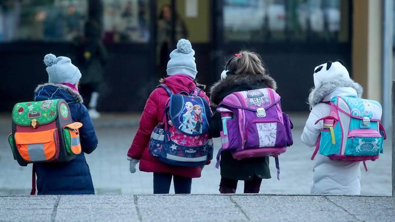 Upute za nastavu u školama: Što ako se dijete zarazi u školi?