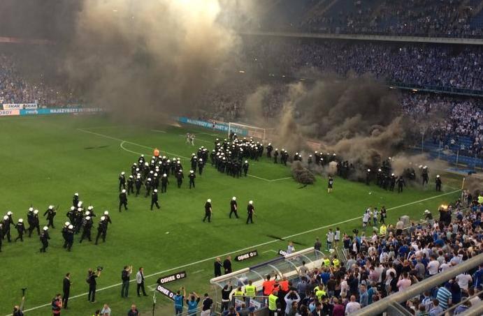 Neredi u Poljskoj! Huligani su Hrvatima odgodili slavlje titule