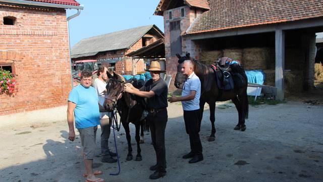 Nijemci se uputili iz Valpova do Plitvičkih jezera - na konjima