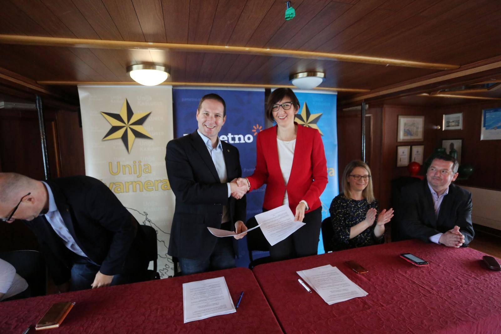 Rijeka: Potpisan Sporazum o izbornoj koaliciji Pametno i Unije Kvarnera za  EU izbore
