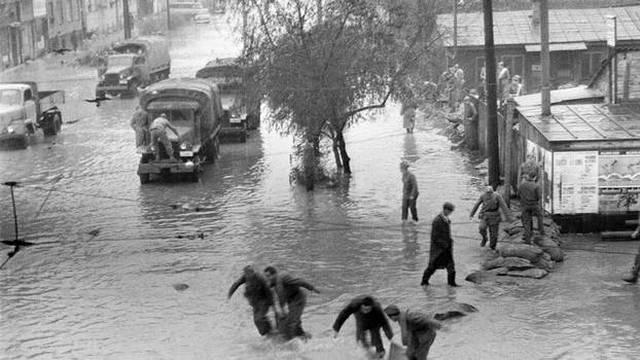 Sava poplavila grad: 40.000 Zagrepčana ostalo je bez doma