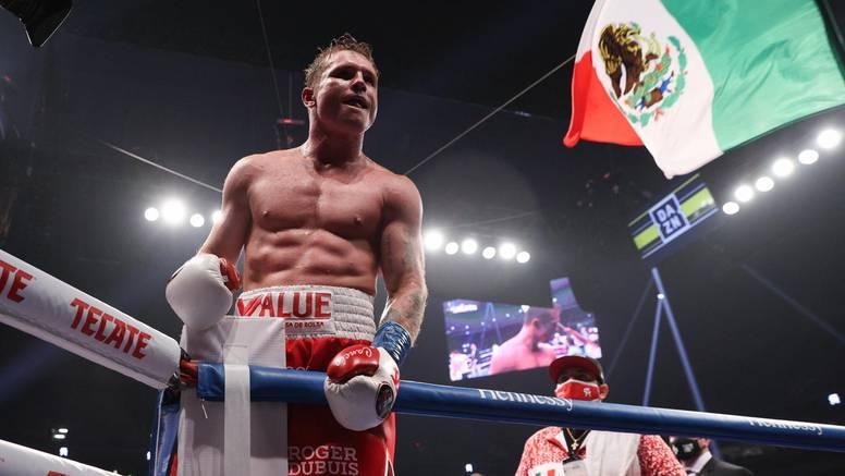 Moćni Canelo Alvarez slavio i ujedinio WBA i WBC pojaseve!
