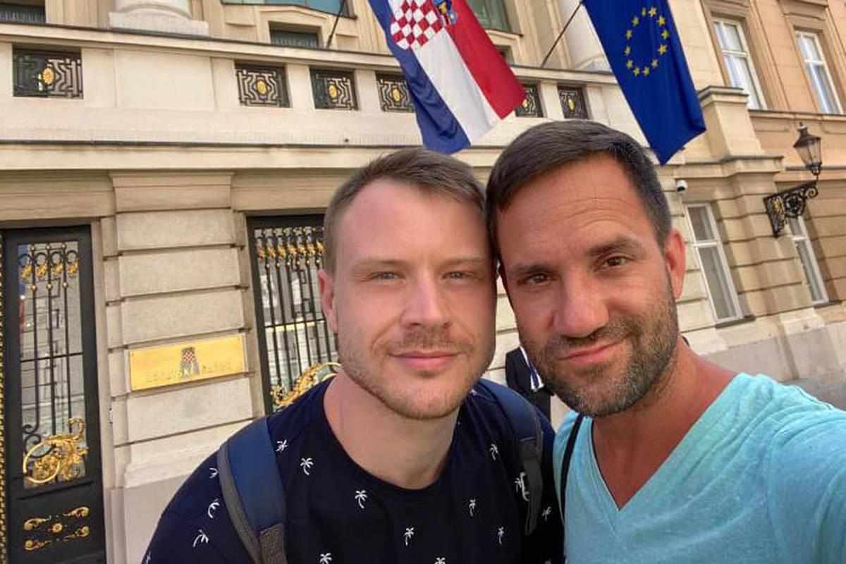 Hrvatska gay upoznavanje Gay oglas