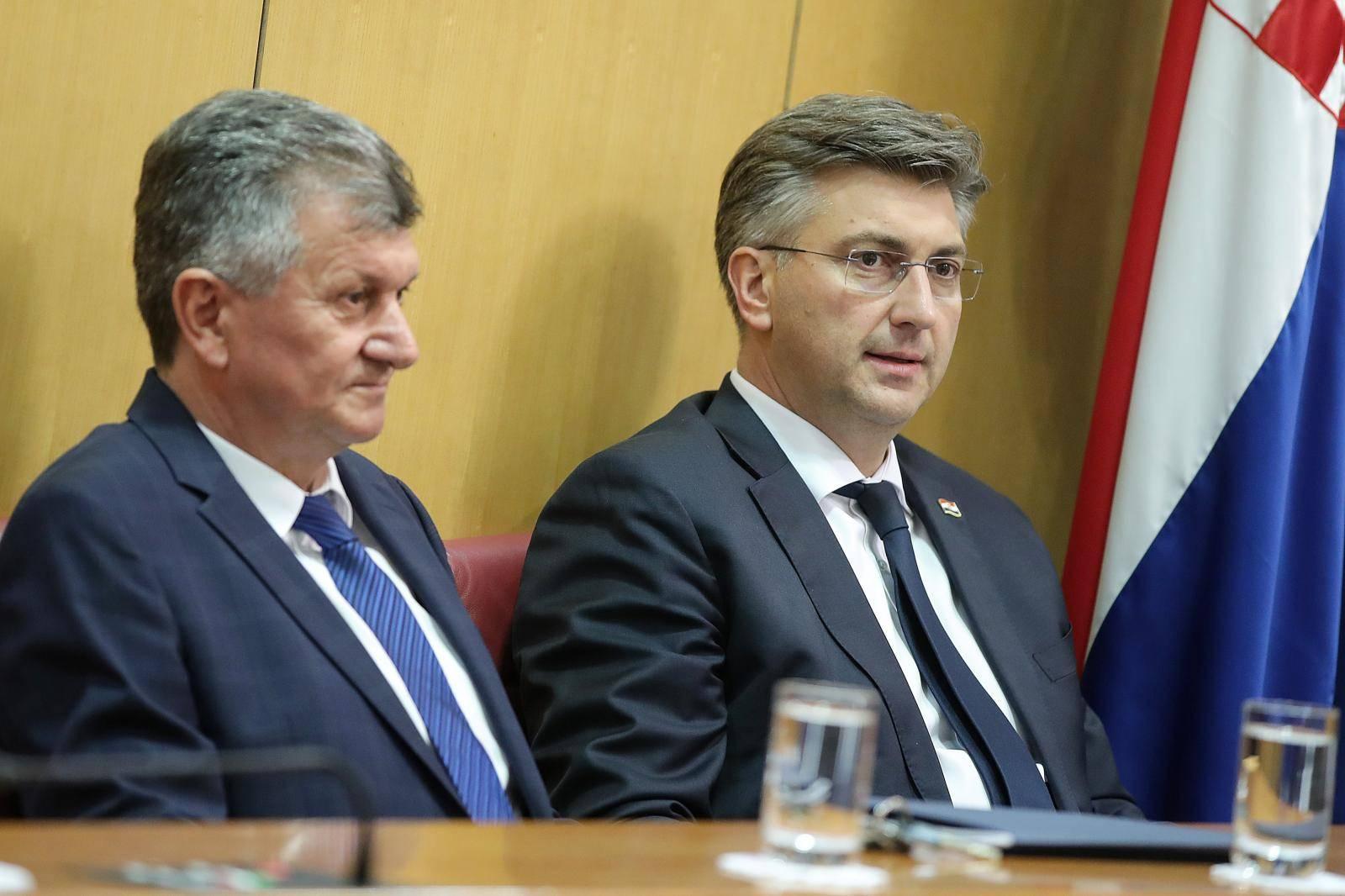 Plenković čeka Kujundžića  u Vladi: Pričat će o kupnji kuća