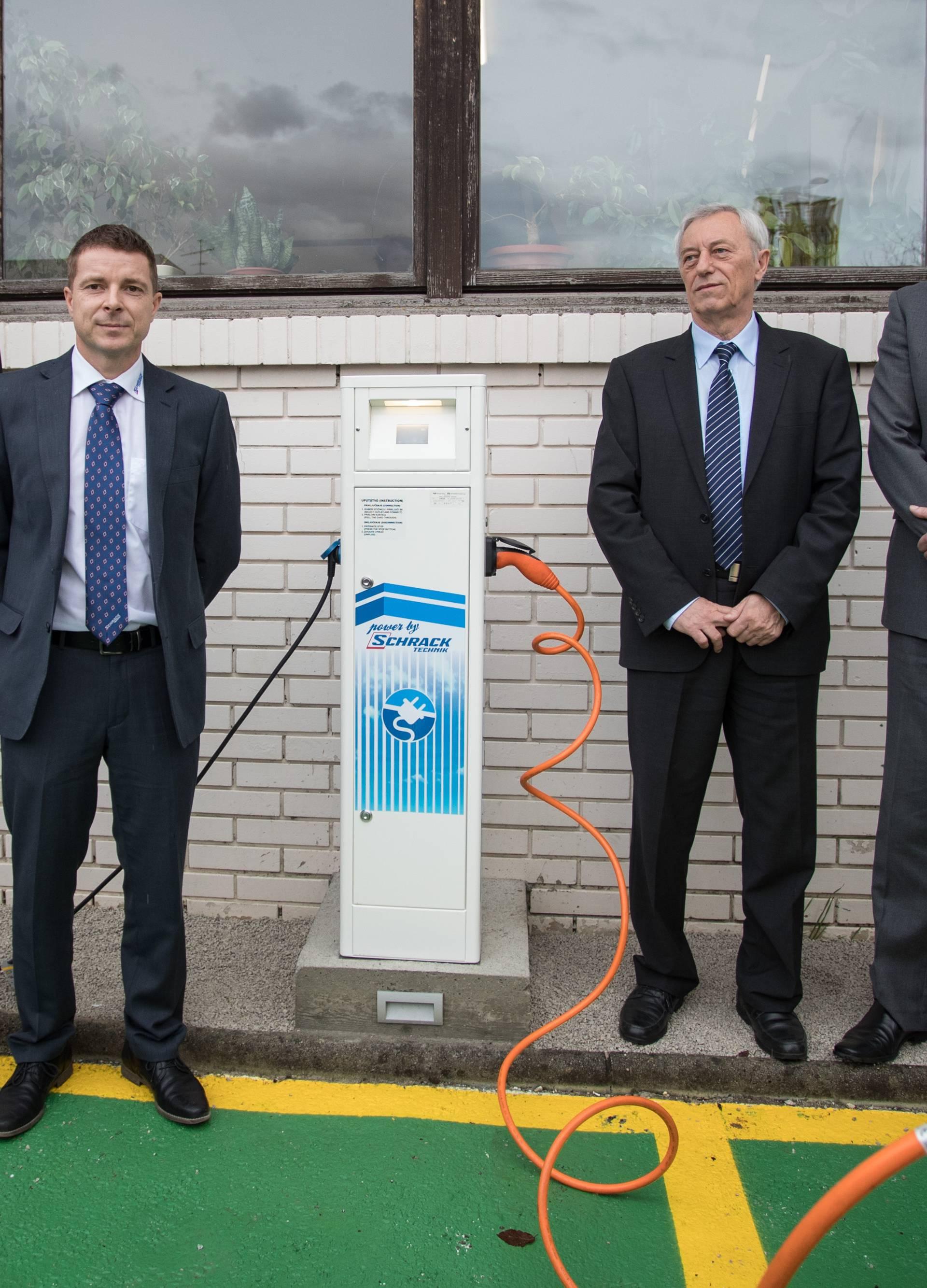 Samobor dobio prvu besplatnu punionicu za električna vozila