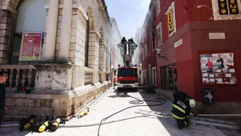 Radijskom voditelju izgorio stan u Zadru, u njega je trebala doći prinova: 'Nestajao je u pepelu'