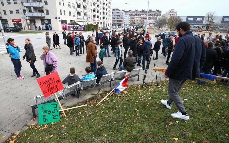 Prosvjed u Zagrebu: 'Nemojte nas gušiti velikim zgradama!'