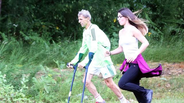 Gospićko čudo: Jedini čovjek na svijetu koji  trči 'na rukama'