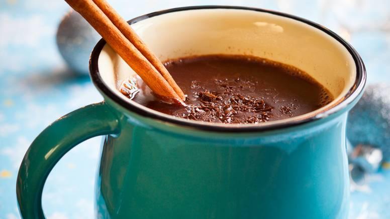 Avokado snižava kolesterol, a vruća čokolada jača pamćenje