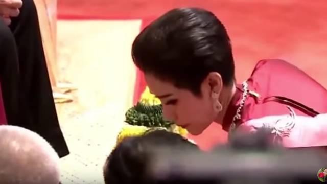 Samo niže skandale: Tajlandski kralj ljubavnici uzeo sve titule