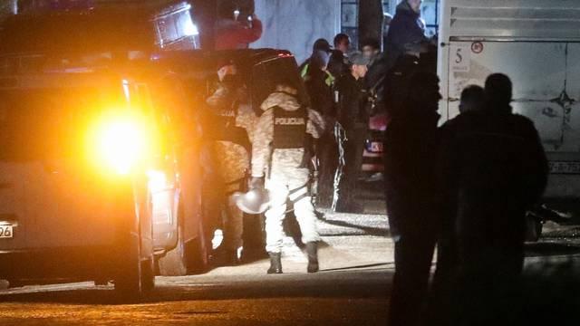 Migranti iz Vučjaka stigli u centar Ušivak u Hadžićima