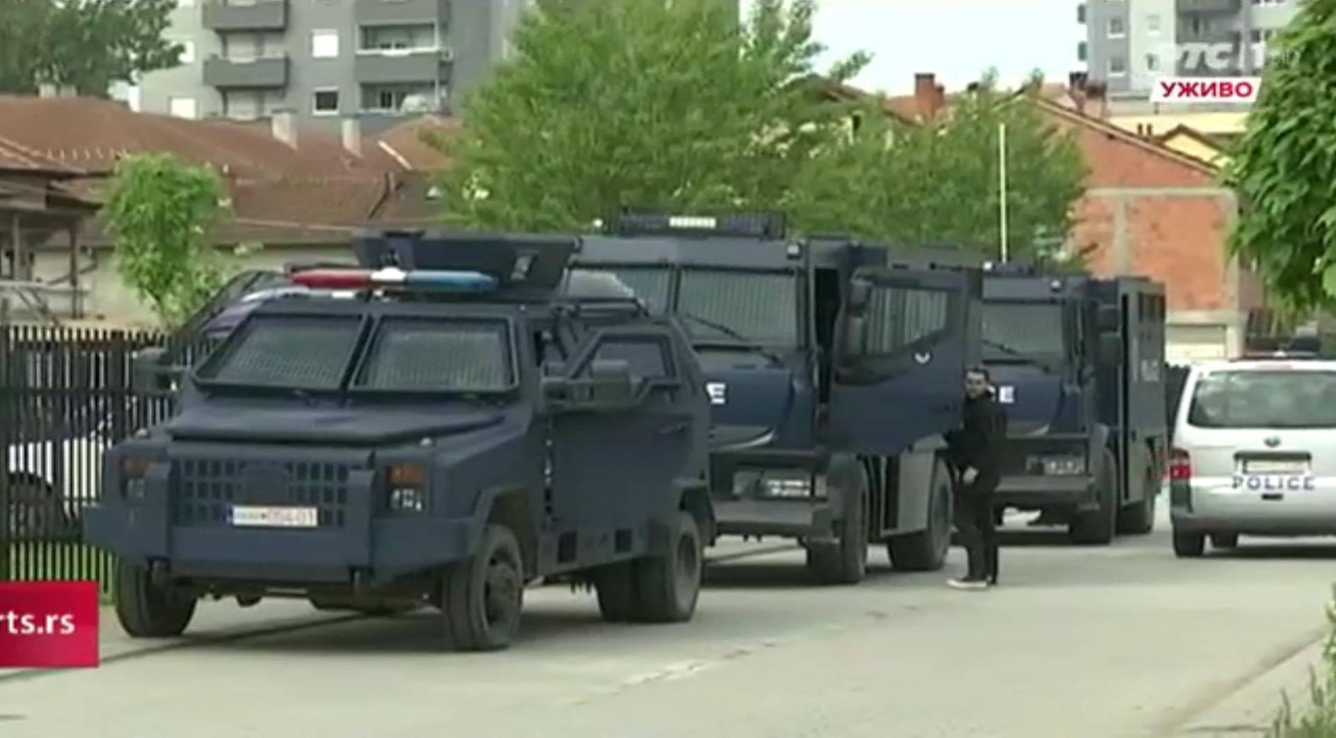 Specijalna policija s 25 vozila i džipova upala na sjever Kosova