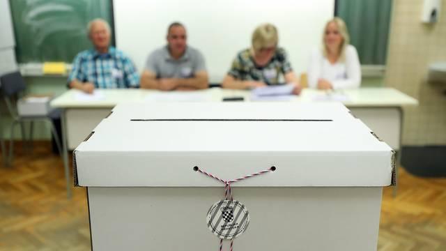 Ponovljeni izbori u Raši prolaze mirno, pravo glasa ima njih 488