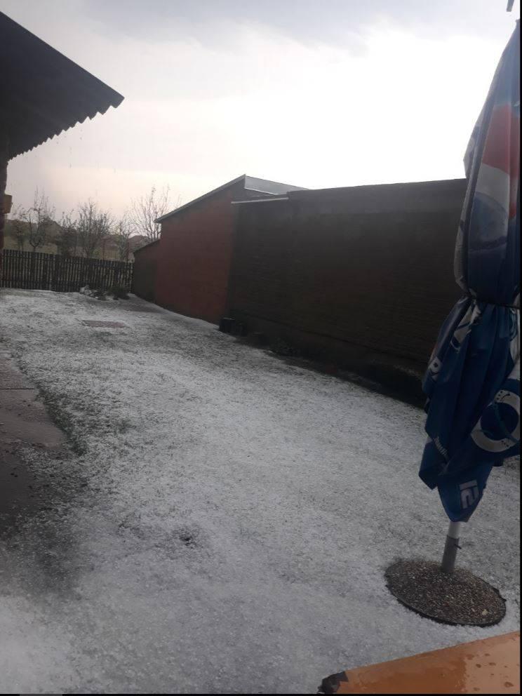 Nevrijeme poharalo Slavoniju: 'Led je prekrio sve kao snijeg'