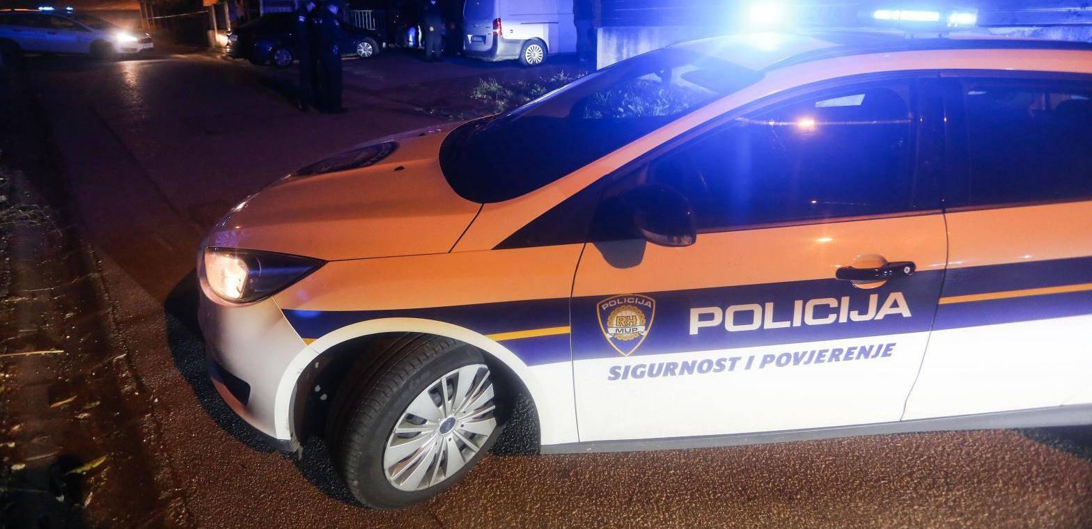 U sudaru auta i teretnog vozila jedan poginuli, troje ozlijeđeno