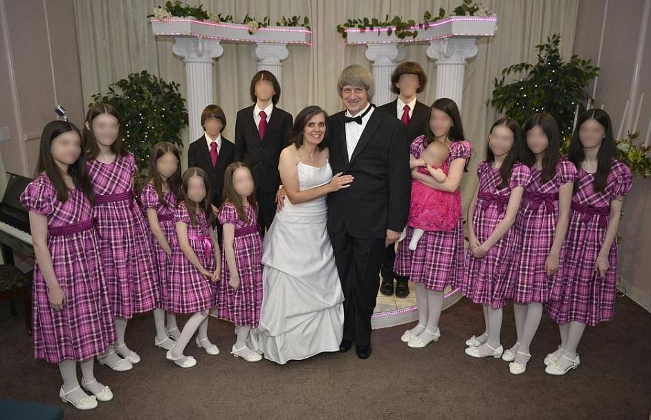 Sve su priznali: Svojih 13 djece su tukli, izgladnjivali i vezali...