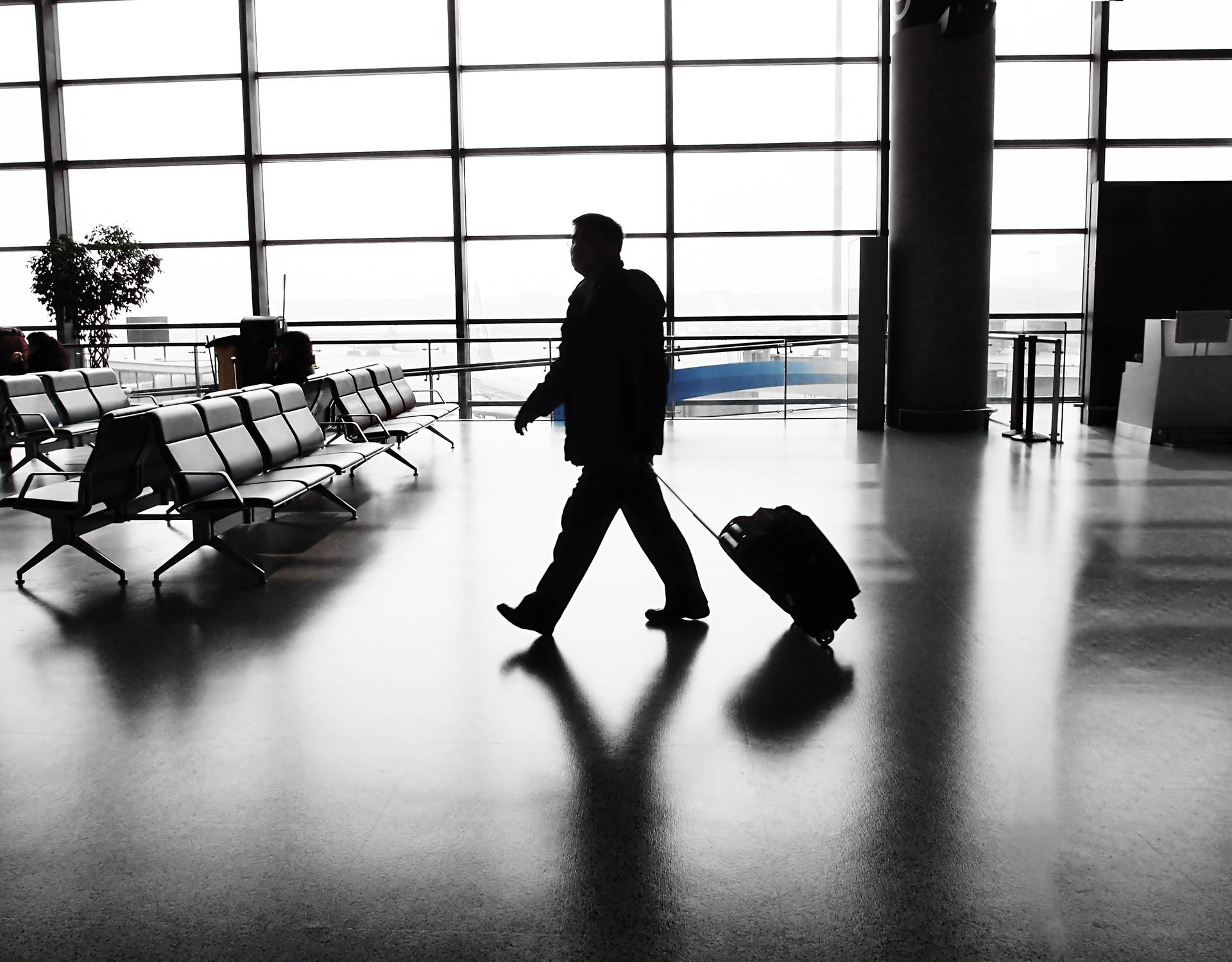 Deset stvari koje ljudi rade u zračnoj luci, a druge živciraju