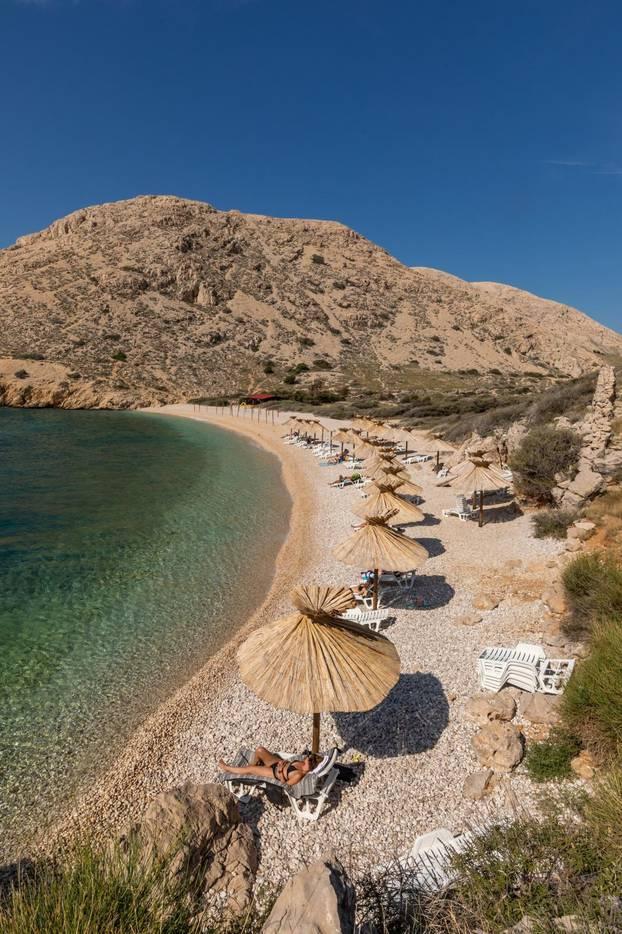 Plaža Oprna na Krku jedna je od najljepših plaža na Jadranu
