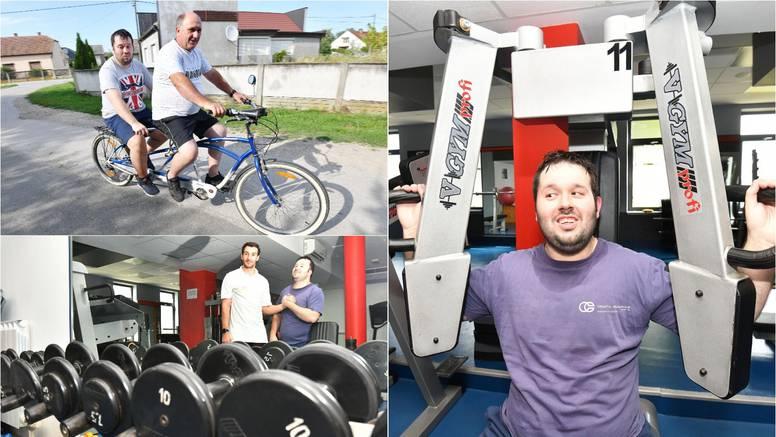 Slijepi Karlo: Volim trenirati u teretani i voziti bicikl s tatom