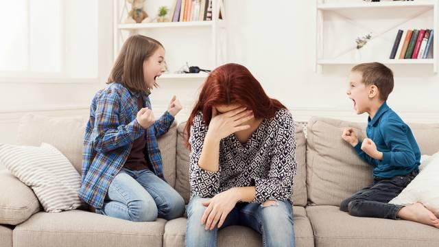 Kontraefekt: Roditelji koji želi kontrolirati svaki korak svog tinejdžera usporit će mu razvoj