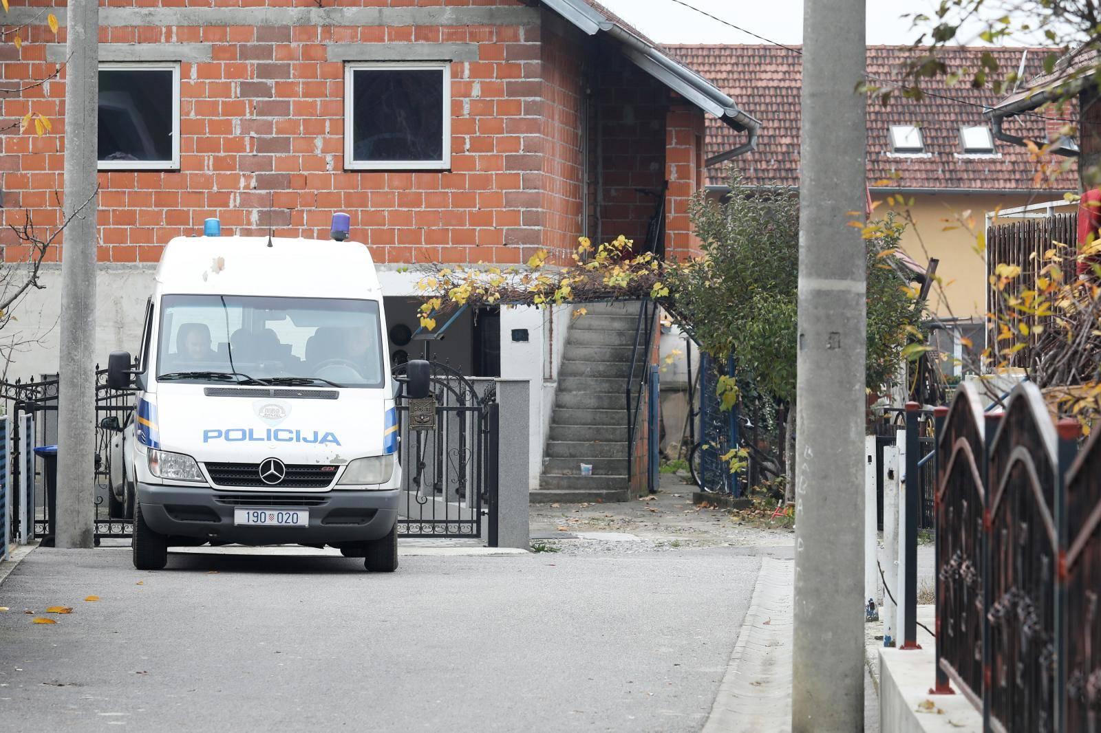 Zagreb: Pretres kuće nakon uhićenja više osoba radi fasificiranja dokumenata