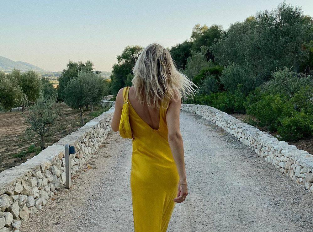Sočna boja: Limun žuta haljina za posebne ljetne trenutke