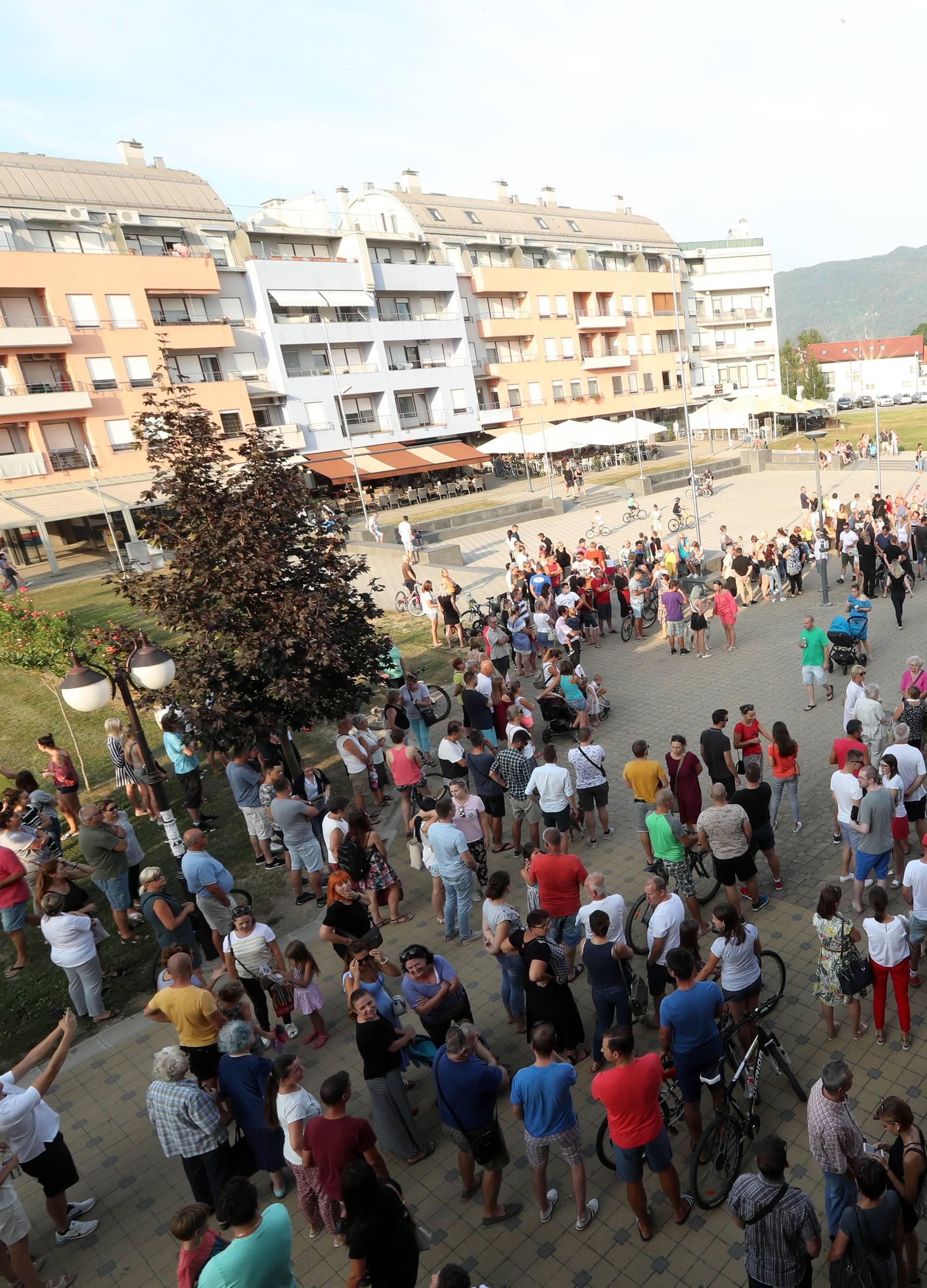Zaprešić: Tihi prosvjed građana zbog smrti Mattea Ružića
