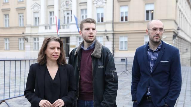 """Zagreb: Članovi Radničke fronte o temi  """"Veledrogerija"""""""
