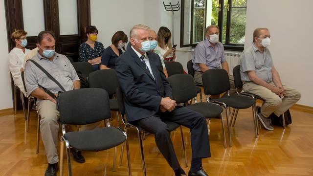 Osijek: Suđenje Franji Luciću za nuđenje mita novinaru