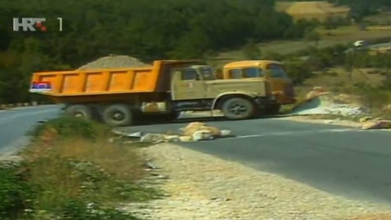 Balvan revolucija: 'Uzeo sam ćaćin traktor, u njega natovario  kamen i iskipao ga na cestu...'