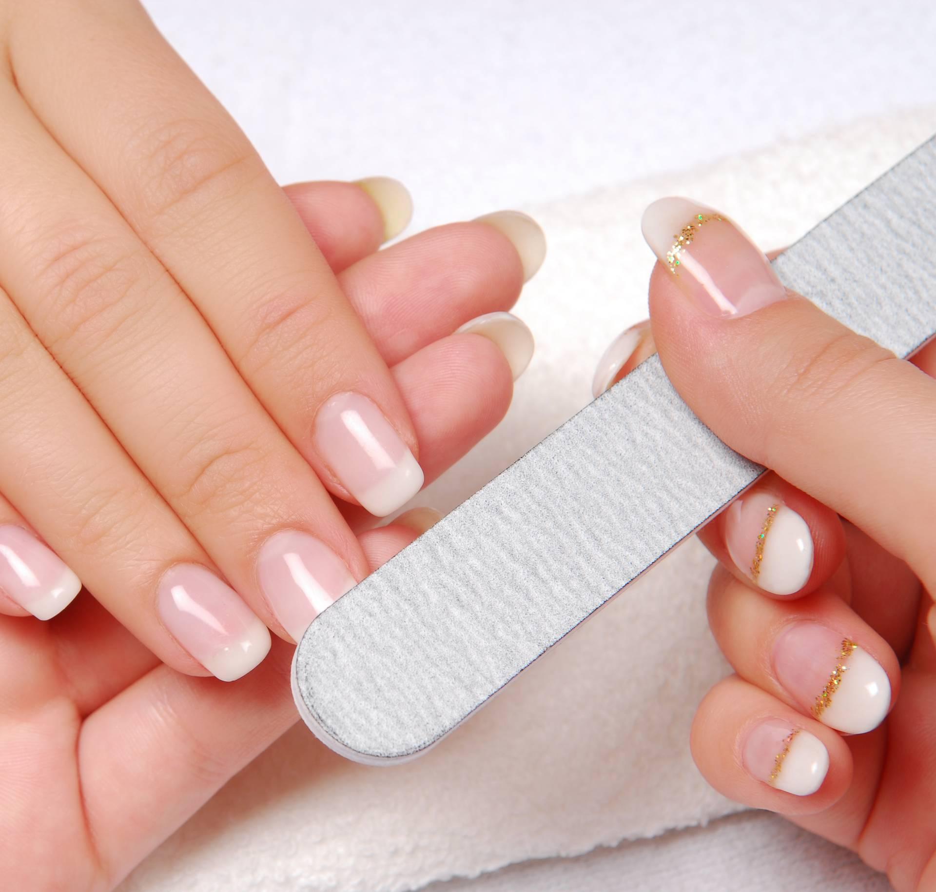 Deset stvari koje imate u kući, a mogu osnažiti vaše nokte