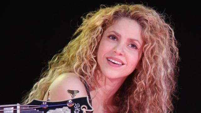 Shakira i njezine kovrče: Koristi široki češalj i njeguje vrhove