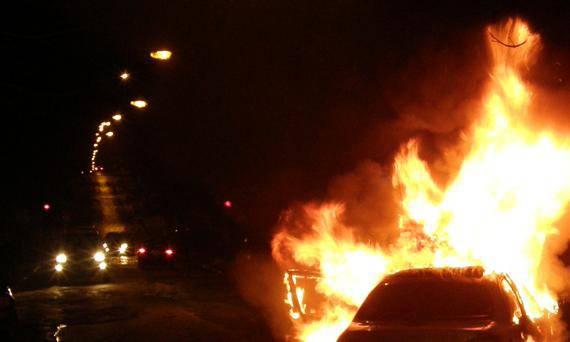 Muškarac (44) iz osvete bivšoj curi zapalio automobil i motor