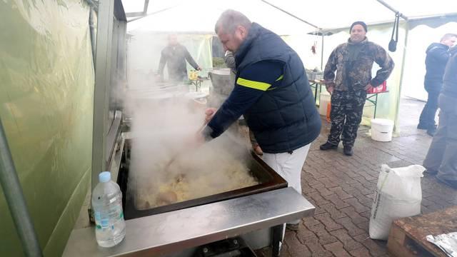 Delač potvrdio: Obustave hrane u Petrinji neće biti
