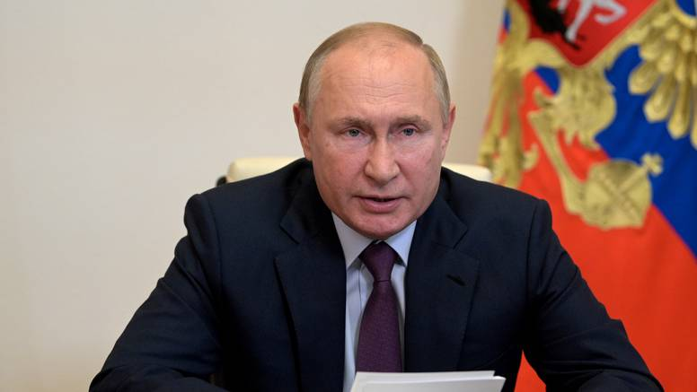 Putinova nova odluka: Rusi će 17. listopada slaviti Dan očeva