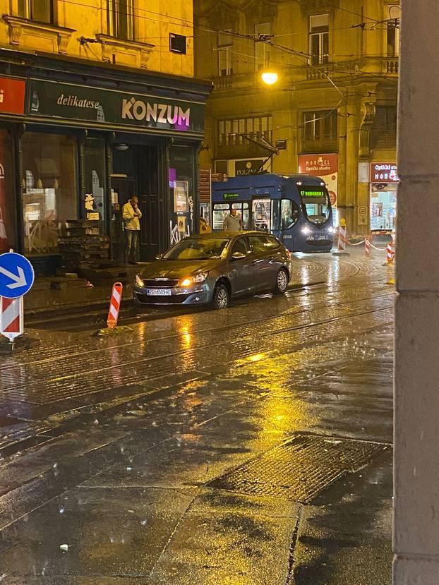 Zagreb je sinoć pogodilo jako nevrijeme, pogledajte fotke