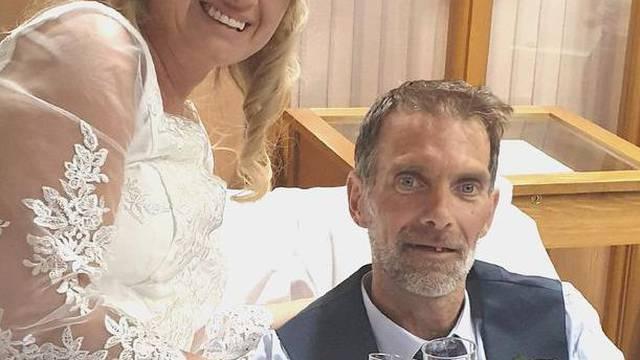 Vjenčali se nekoliko sati prije nego je izgubio bitku za život