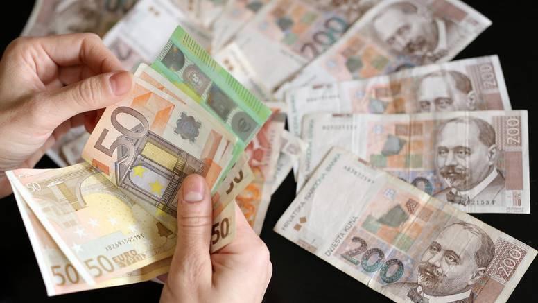 Poslodavci će od idućeg ljeta morati  raditi dvostruki obračun plaća  -  u kunama i u eurima