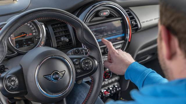 Inovacija na tržištu: Nude sve što vam treba za pouzdaniju kupnju rabljenih automobila