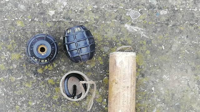 Građani predali bombe, pištolje i streljivo: Žena donijela i TNT