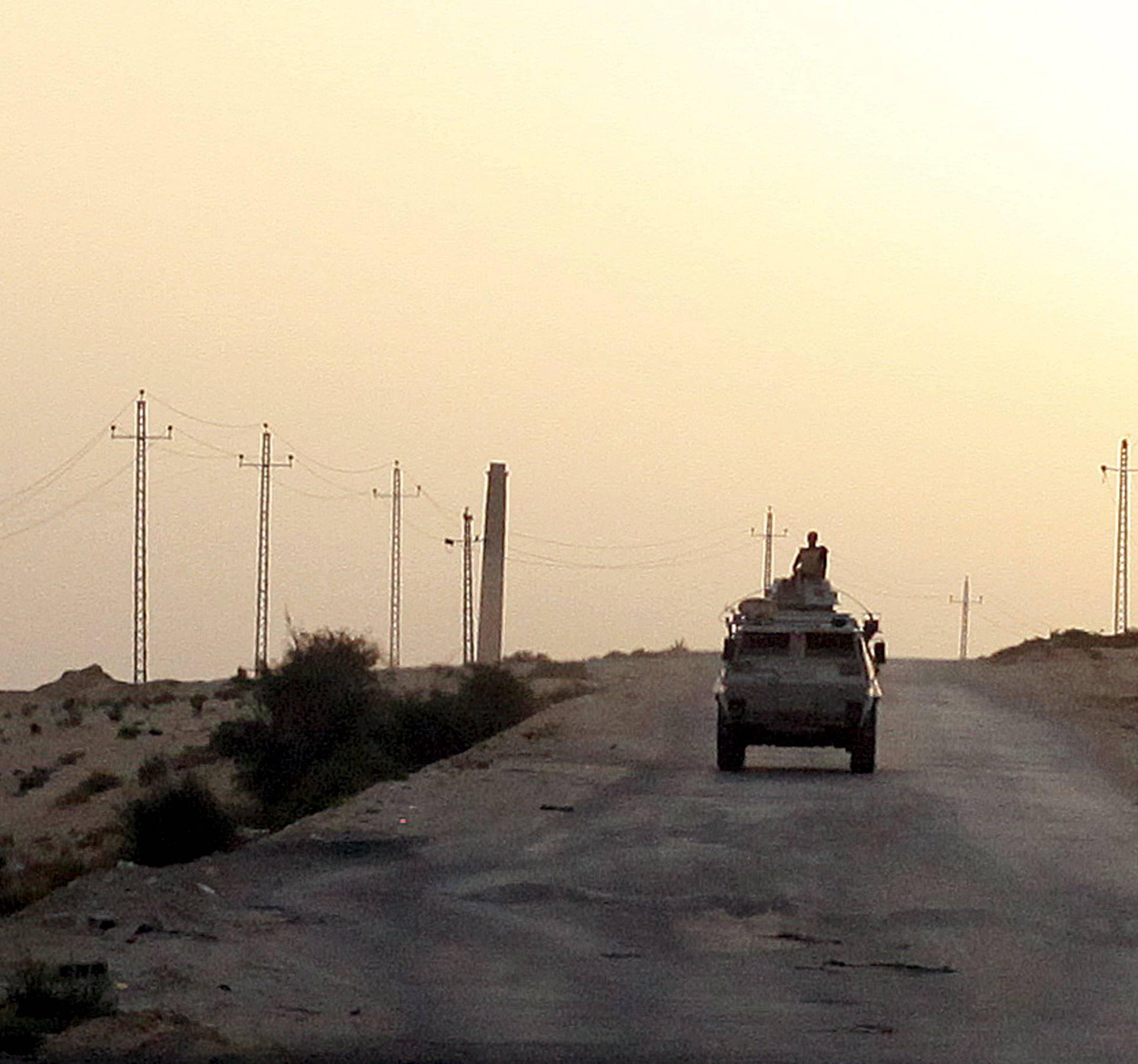 ISIL je napao vojna vozila na Sinaju: 7 mrtvih, 15 ranjenih