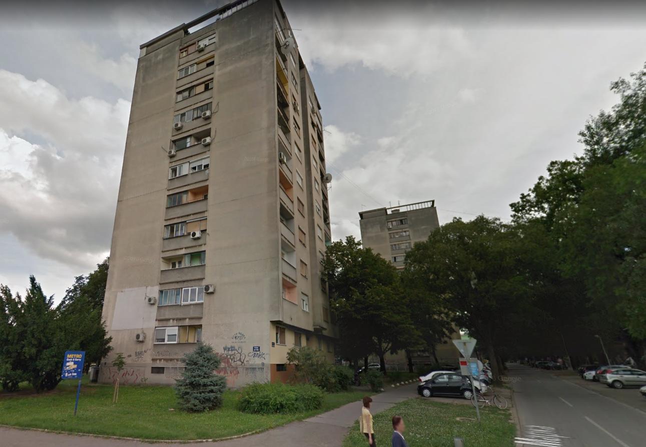 Napadač u Novom Sadu puca po ljudima: 'Vi ste možda idući'